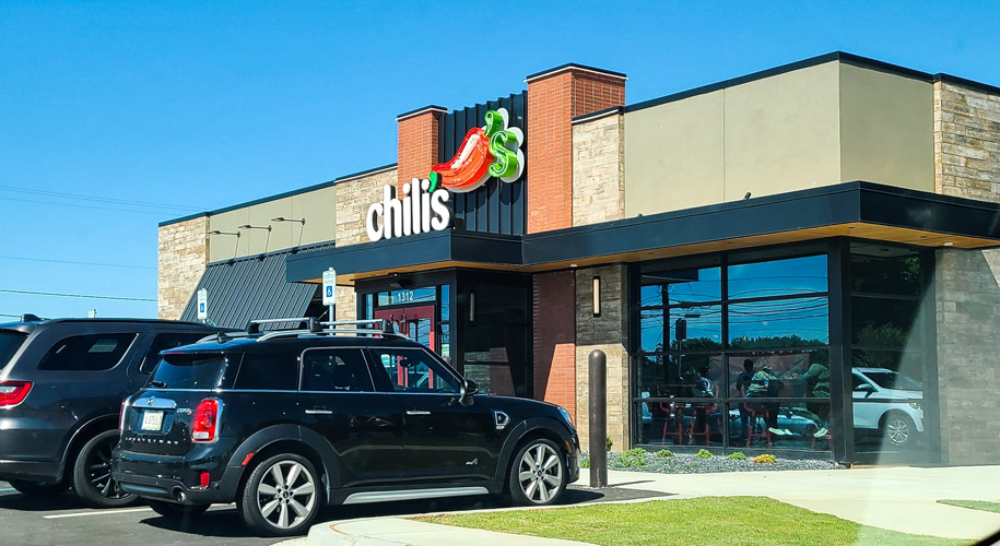 Chili's opens at Piedmont Marketplace